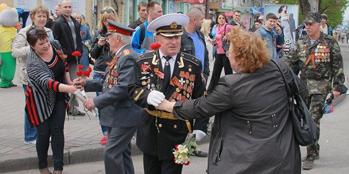 Прошедший в Луганске парад Победы стал самым масштабным за 70 лет