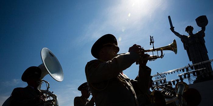 В Киеве включили трансляцию «Вставай, страна огромная» по сети уличного радио