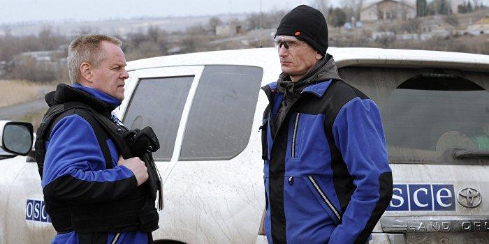 Украинский солдат дал несколько очередей по наблюдателям ОБСЕ