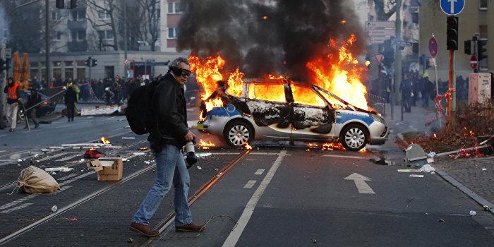 После выборов президента во Франции начались беспорядки