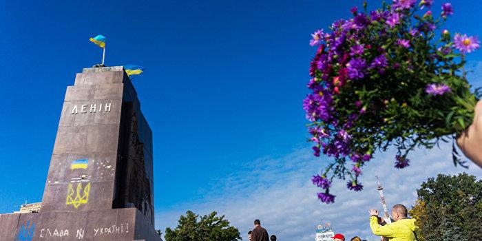 Правозащитники готовят доклад об издевательствах над ветеранами и вандализме на Украине