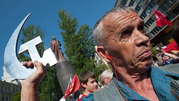 WSJ: Борьба Украины с советским прошлым - пустая трата времени и денег