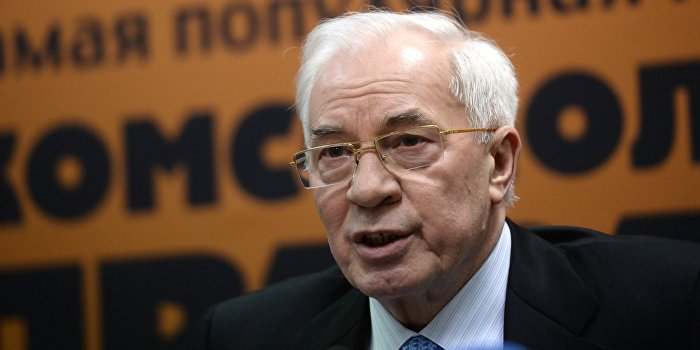 FAZ: Азаров собирается вернуться в Киев после падения «хунты»