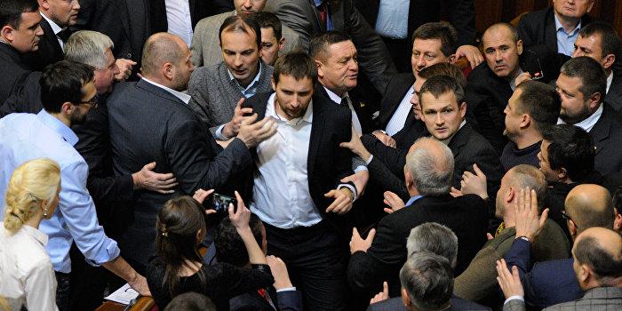 Член партии «Укроп» жестоко избил члена «Блока Петра Порошенко»