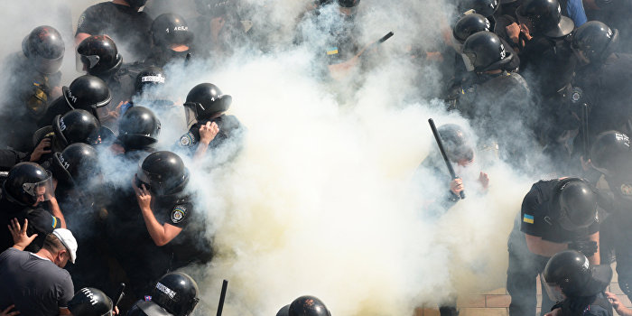 Джон Коннор: Кочующий цирк вернулся из Донбасса в Киев
