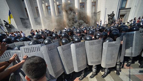 Sky News: Петр Порошенко обвиняет Россию в гибели нацгвардейца у Рады