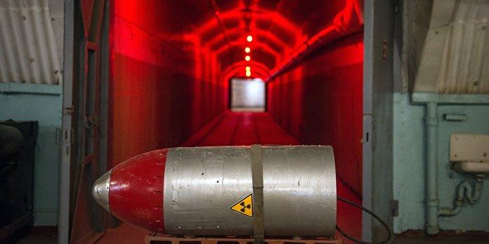 Луценко заявил о необходимости размещения ядерного оружия на Украине