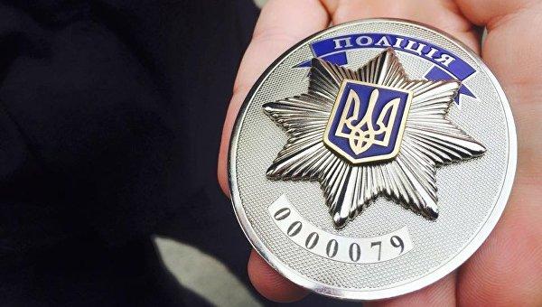 Киевским полицейским вручили погоны и «американские» жетоны