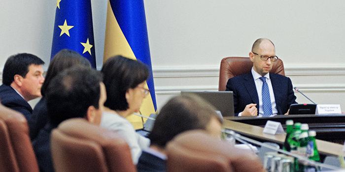 Яценюк пытается принудить Россию к рестуктуризации долга