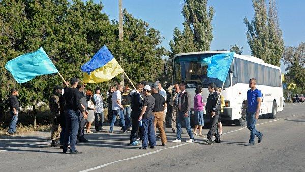 Блокада Крыма: давить и шантажировать