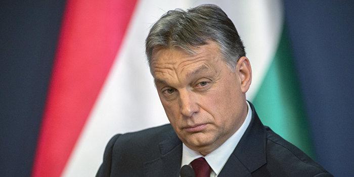 Орбан: Мигранты вышибают дверь Европы
