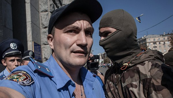 «Азов» пытался штурмом взять горсовет Харькова
