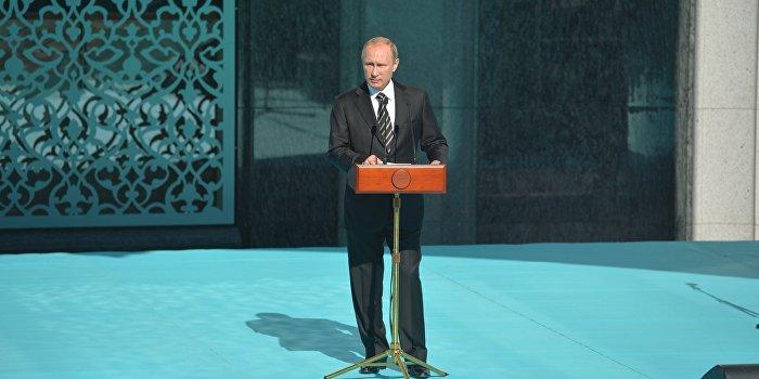 Путин: Террористы ИГ пытаются вербовать адептов в нашей стране