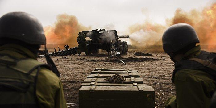 Села ДНР подверглись обстрелам из тяжелого вооружения