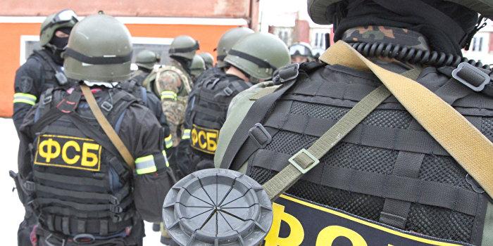 ФСБ открыла уголовное дело против инициатора блокады Крыма