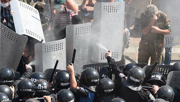 Украинских военных готовят подавлять гражданские протесты
