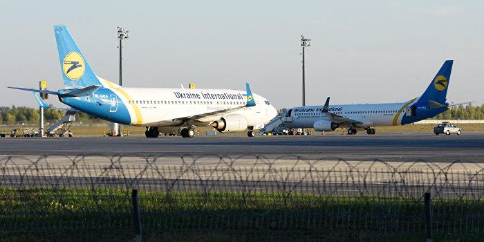 Украинским авиакомпаниям запретили полеты над Синаем