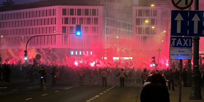 Националисты устроили беспорядки на Марше независимости в Варшаве