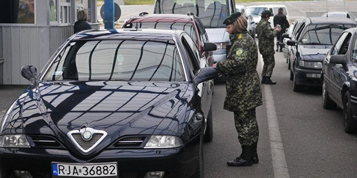 Корнилов: Украина открывает границы террористам