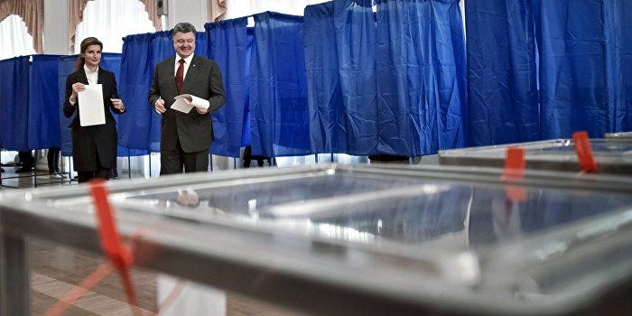 Выборы в Днепропетровске эксперты считают поединком Порошенко и Коломойского