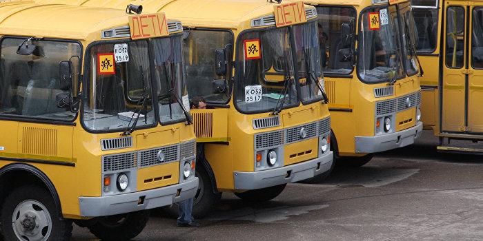ЛНР: ВСУ на школьных автобусах перебрасывают технику и личный состав