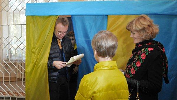 Львов: СВОБОДные выборы на садовом участке