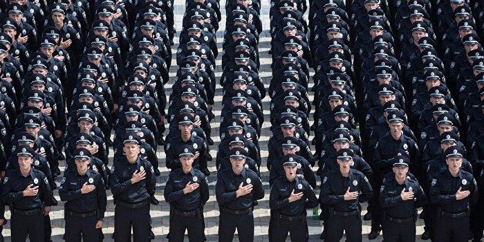 Полицию Днепропетровска срочно перевели на усиленный режим работы