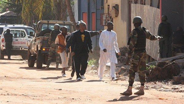 СМИ: В Мали террористы захватили в заложники 170 человек