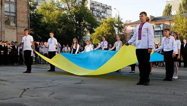 «Герои АТО» воспитывают детей Луганщины на трупах