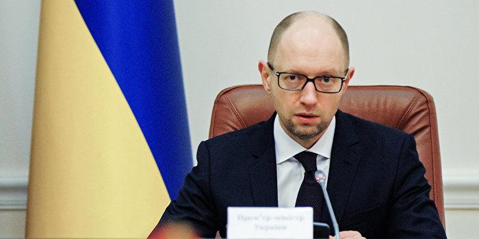 Яценюк потребовал срочно отремонтировать ЛЭП в Крым