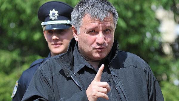 Порошенко считает Авакова и «Азов» «агентами Кремля»