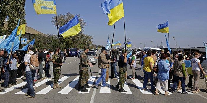 У участников блокады Крыма иссякли трусы и колючая проволока