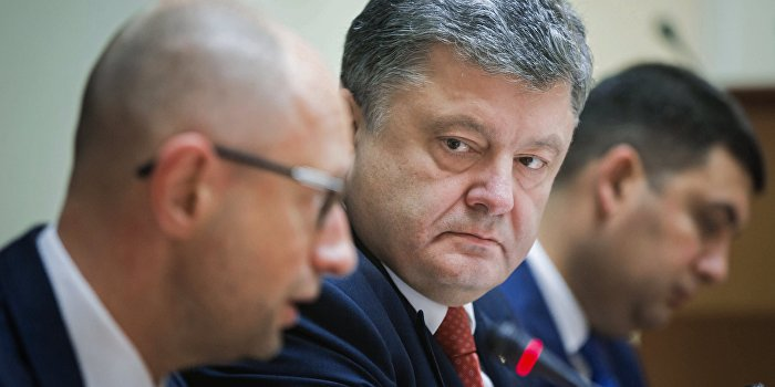 Карасев рассказал, когда Порошенко снимет Яценюка