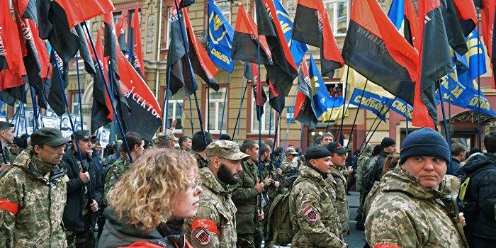«Правый сектор» отправляет боевиков на границу с Крымом