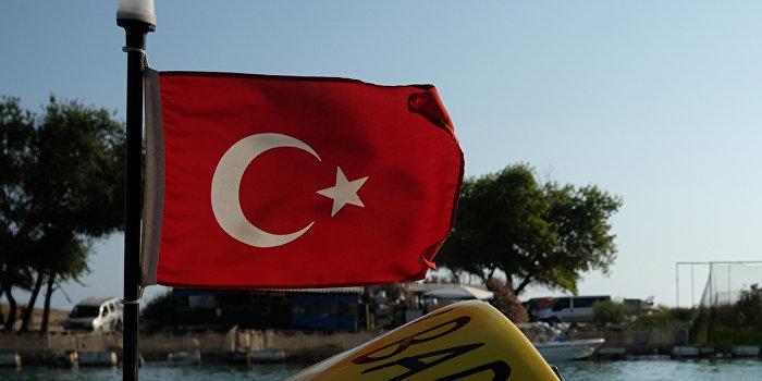 Турецкое судно заблокировало российские буровые установки в Черном море