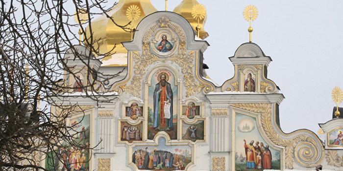 Киевская горадминистрация отказалась отнимать Лавру