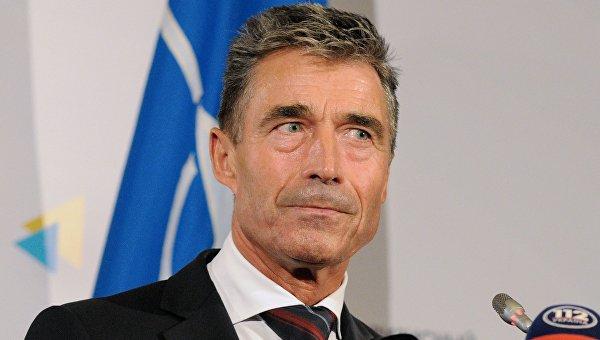 Дуда занял стул Украине за НАТОвским столом