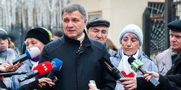 Нардеп Лещенко раскрыл связь Авакова с кланом Януковича