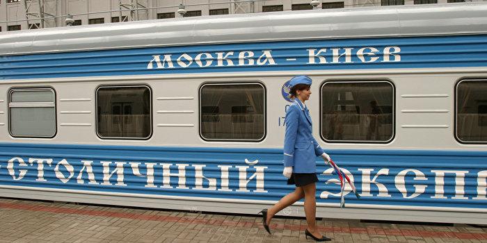 Порошенко заблокировал безвизовый въезд украинцев в Россию