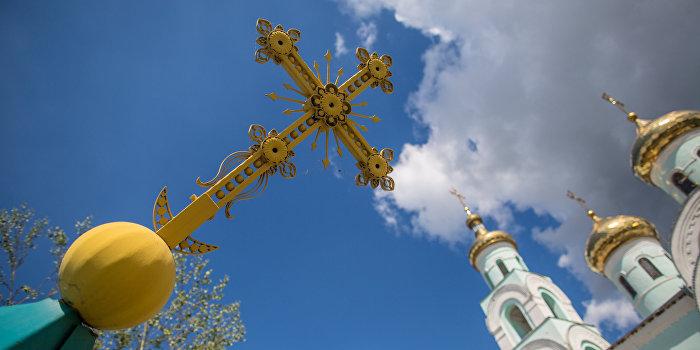 Украинская власть хочет закрыть осажденный храм в селе Птичья