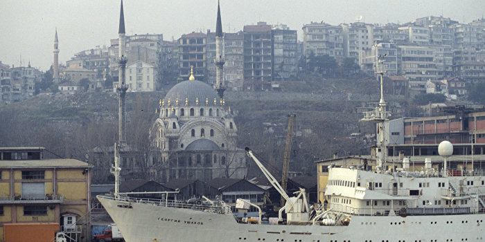 В порту Стамбула взорвался украинский грузовик