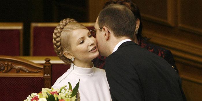 Тимошенко хочет «придушить воспитанника» Яценюка