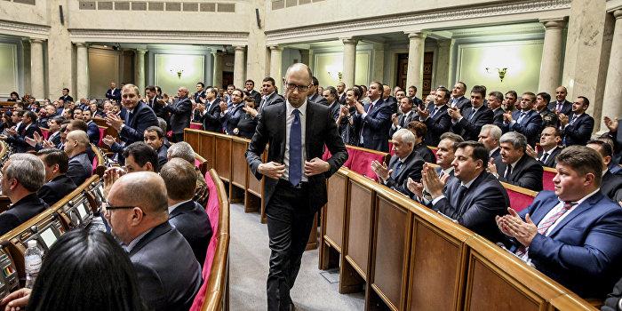 Яценюк может уйти в отставку на женский праздник