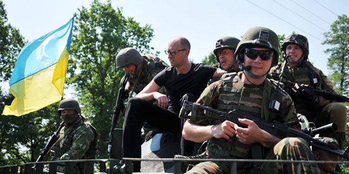 Яценюк призвал полтавских полицейских вернуть Крым и Донбасс
