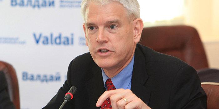 Экс-посол США Пайфер назвал имя нового премьер-министра Украины