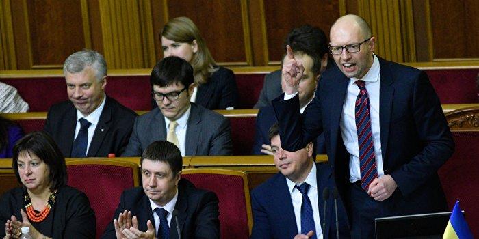 Яценюк пообещал не жаловаться на Порошенко