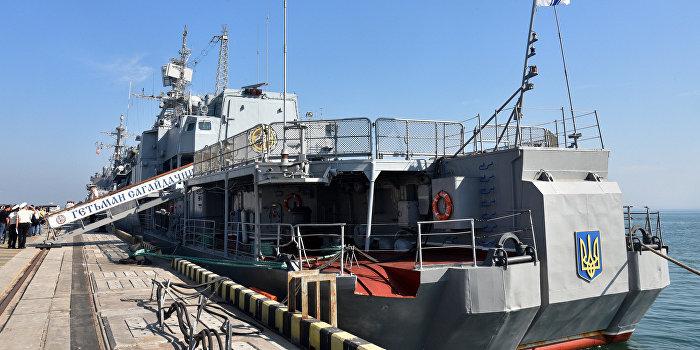 Минобороны Украины бьет тревогу: морские офицеры бегут в Крым