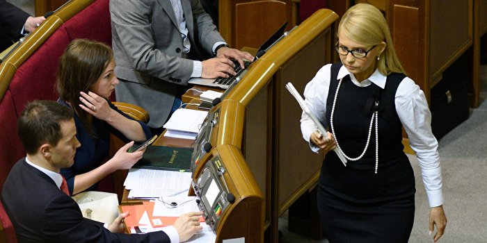 Тимошенко начала кампанию по смещению Порошенко
