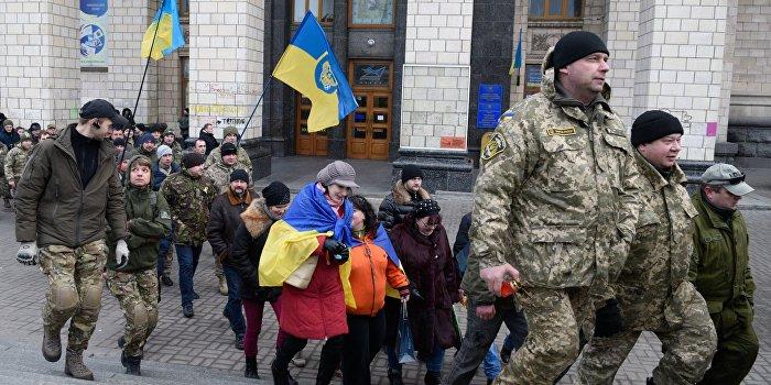 За насилие над женщинами: в Ужгороде радикалы атаковали мирную акцию