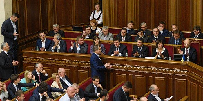 Рада приняла в первом чтении закон о «возврате денег Януковича»